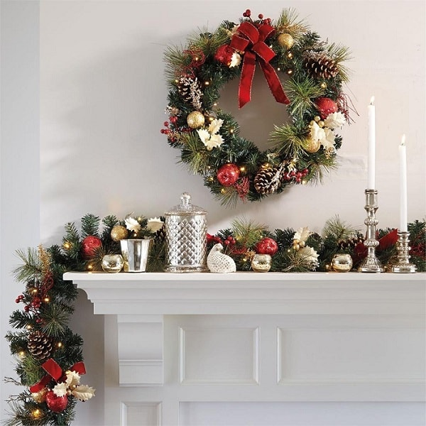 10+ Christmas Garland Decorating Ideas