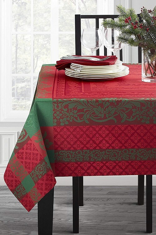 Majestic Christmas Jacquard Tablecloth