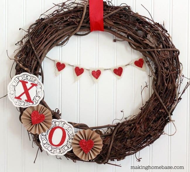 25+ DIY Valentine's Day Wreaths