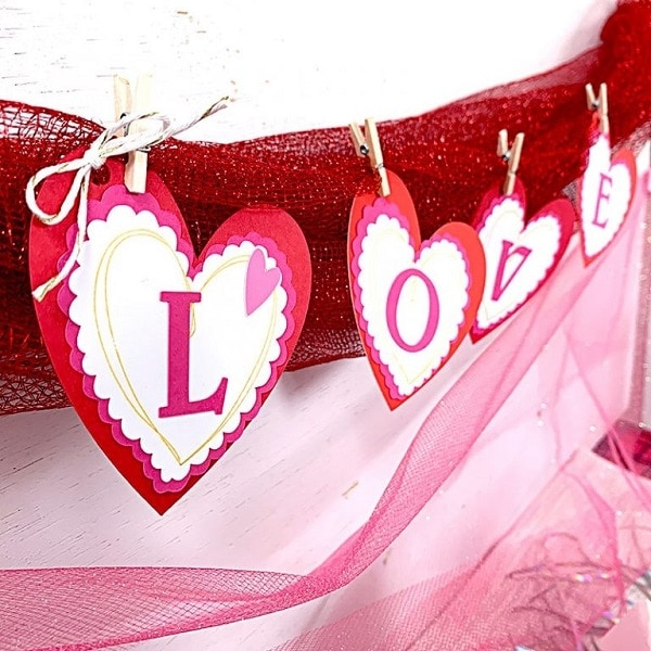 Easy Valentine's Day Banner