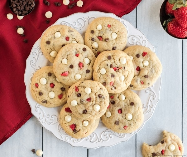 White Chocolate Strawberry Cheesecake Cookies