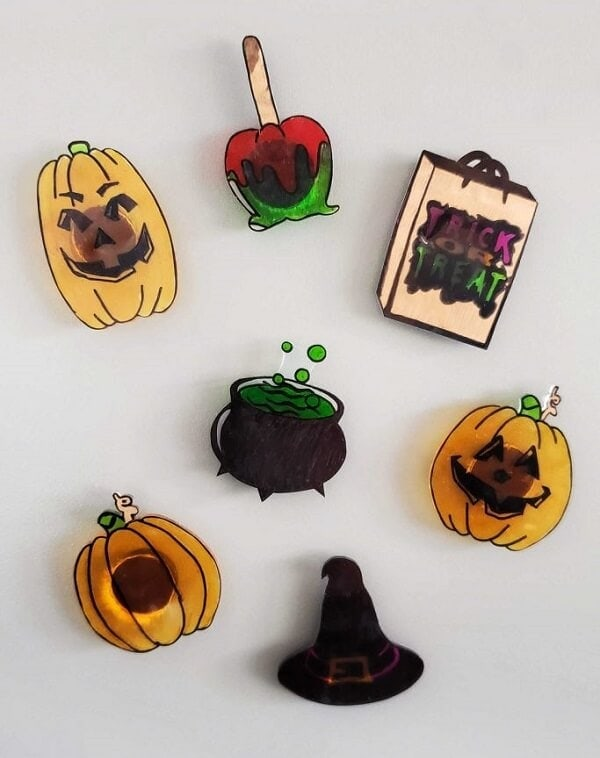 Easy DIY Shrinky Dinks Halloween Magnets